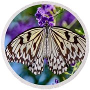 Black And White Paper Kite Butterfly Round Beach Towel