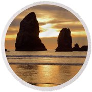 Cannon Beach November Sunset Round Beach Towel