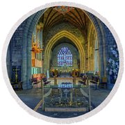 Cathedral At Christmas Round Beach Towel