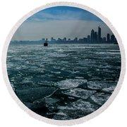 Chicago In Winter Round Beach Towel