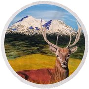 Round Beach Towel featuring the painting Chillin' by Kevin Daly