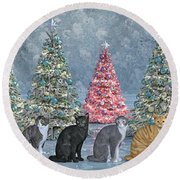Christmas Tree Cats Round Beach Towel