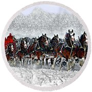 Clydesdales Hitch In Snow Round Beach Towel