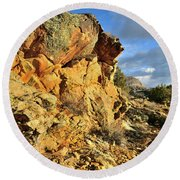 Colorful Crags In Colorado National Monument Round Beach Towel