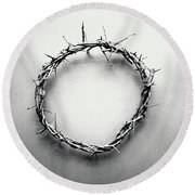 Crown Of Thorns In Black And White  Round Beach Towel