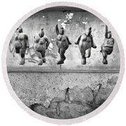 Dancing Venus - Naked Crones Black And White Round Beach Towel