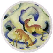 Deer In The Snow, 1911 Round Beach Towel
