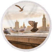 Doves And Seagulls Over The Thames In London Round Beach Towel