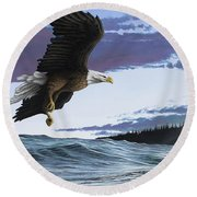 Eagle In Flight Round Beach Towel