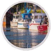 Evening At The Harbor Round Beach Towel
