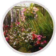 Columns At Evergreen Arboretum Round Beach Towel