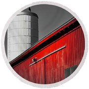 Fading Barn Round Beach Towel