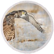 Flying Great Horned Owl Round Beach Towel