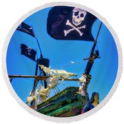 Flying The Pirates Colors Round Beach Towel