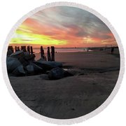 Fort Moultrie Sunset Round Beach Towel