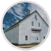Round Beach Towel featuring the photograph Freeport Barn by Guy Whiteley