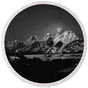 Full Moon Sets In The Tetons Round Beach Towel