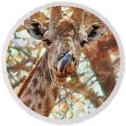 Giraffe Says Yum Round Beach Towel
