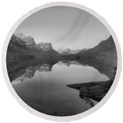 Glowing Mountain Peaks Of St Mary Glacier 2019 Black And White Round Beach Towel
