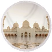 Grand Mosque In Abu Dhabi At Sunset Round Beach Towel