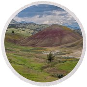Green Painted Hills  Round Beach Towel