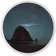 Haystack Under The Stars Round Beach Towel