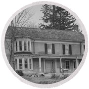 Historic Mansion With Towers - Waterloo Village Round Beach Towel