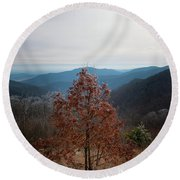 Hoarfrost On Fall Leaves Round Beach Towel