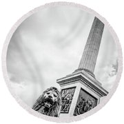 Horatio And The Lion Round Beach Towel