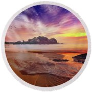 Incoming Tide At Sunset Round Beach Towel