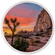 Joshua Tree Sunset Round Beach Towel