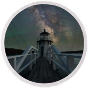 Milky Way Over Doubling Point Round Beach Towel