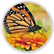 Monarch Butterfly On Flower Round Beach Towel