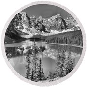 Moraine Lake Morning Reflections Through The Trees Black And White Round Beach Towel