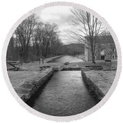 Morris Canal And Lock - Waterloo Village Round Beach Towel
