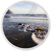 Morro Rock Ebb Tide Round Beach Towel