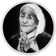 Mother Teresa Round Beach Towel