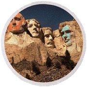 Mount Rushmore Red And Blue Drawing Round Beach Towel