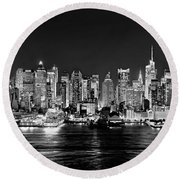 New York City Nyc Skyline Midtown Manhattan At Night Black And White Round Beach Towel