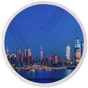 Nyc The Blue Hour Round Beach Towel