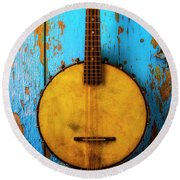 Old Banjo On Blue Wall Round Beach Towel