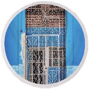 Old Door In Havana Round Beach Towel