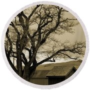 Old Shanty In Sepia Round Beach Towel