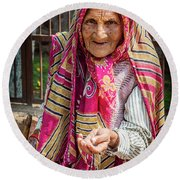 Old Woman Round Beach Towel