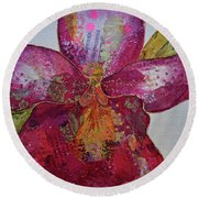 Orchid Passion II Round Beach Towel
