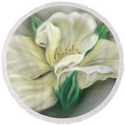 Pale Yellow Rose And Green Rosebuds Round Beach Towel