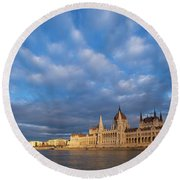 Parliament On The Danube Round Beach Towel