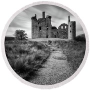 Path To Kilchurn Castle Round Beach Towel