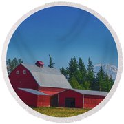 Red Barn With Mount Rainier Round Beach Towel