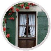Red Rose Door Round Beach Towel